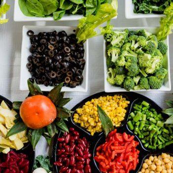 Alimentação Saudável, diversidade de alimentos naturais.